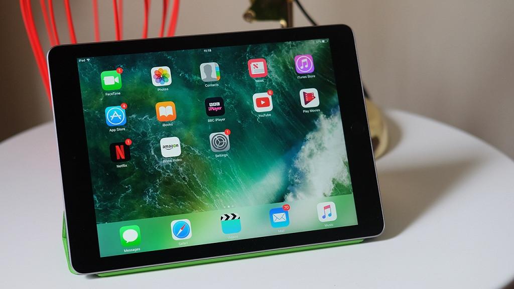 Компактный и быстрый iPad 2017!