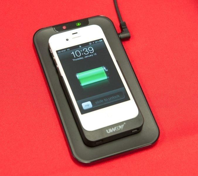 Концепция iPhone7 Плюс и беспроводной зарядки Apple